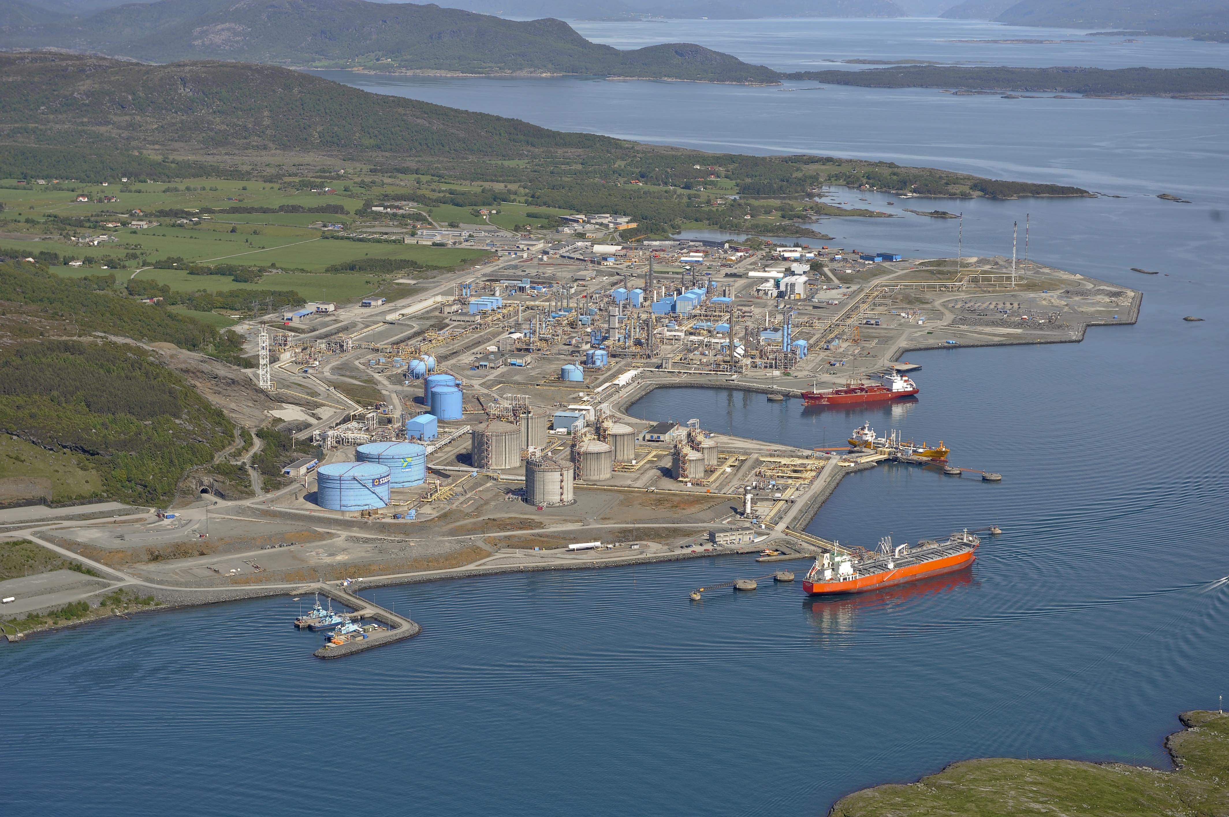 Bilde av gassbehandlings- og kondensatanlegget på Kårstø